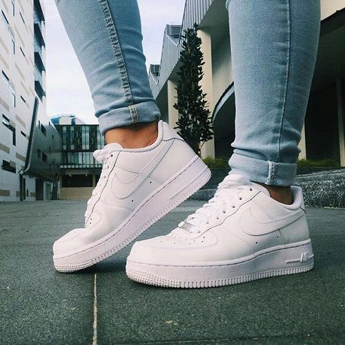 huge selection of 552e9 1122a Tenis Nike Air Force one Mujer